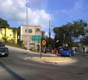 Roundabout-signage