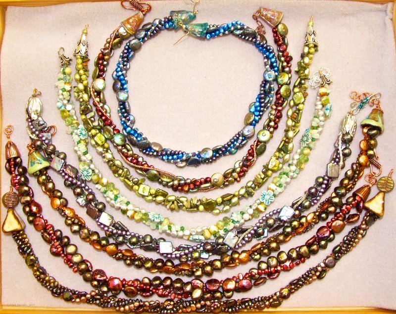 Necklaces 8557