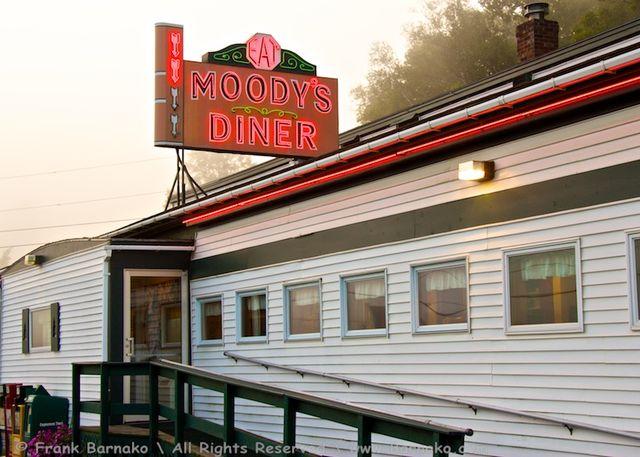 Moodys_diner_2011 1